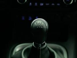 Transmisión manual de 6 velocidades.